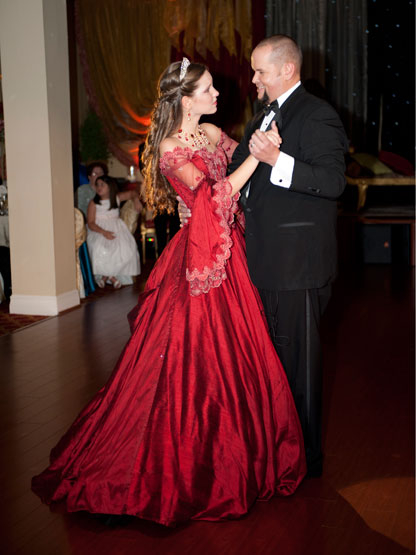 Quiero Mis Quinces | Season 6: Jennifer - Stepfather and daughter dance.