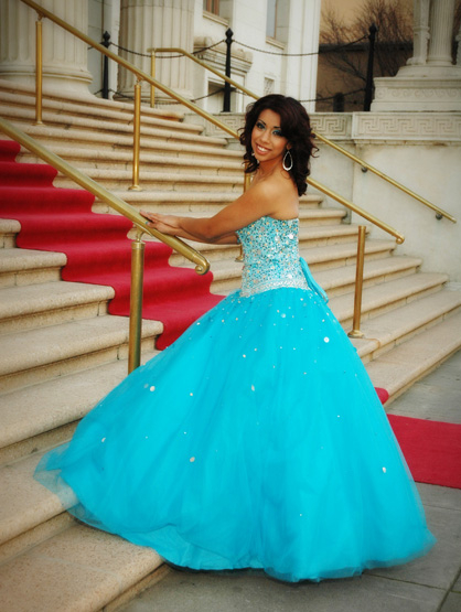 Quiero Mis Quinces | Season 6: Jiselle - Walking the Red Carpet.