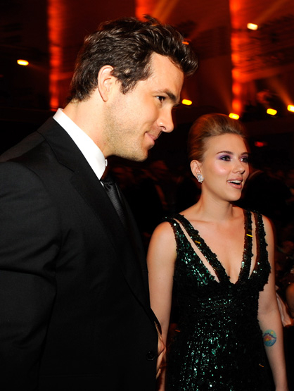 "Breakups of 2010 - Ryan Reynolds & Scarlett Johansson: like the song says ""Love on the Rocks isn't no surprise"""