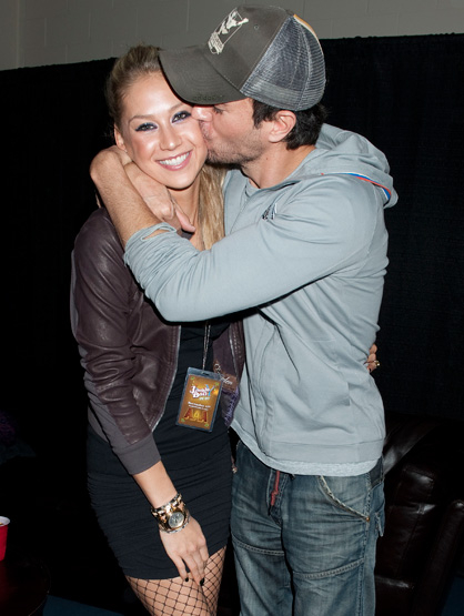 The Beautiful Couples - Anna Kournikova & Enrique Iglesias: He's Her Hero