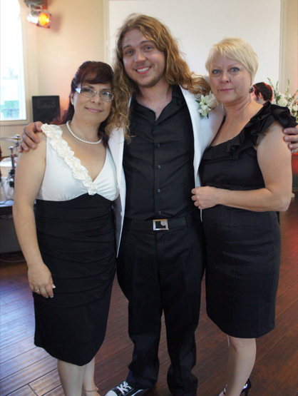 Quiero Mi Boda Season 4: Joanna and Devo - Devo with both moms.