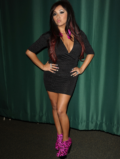 Shortest Women in Hollywood - Snooki is 4'9""