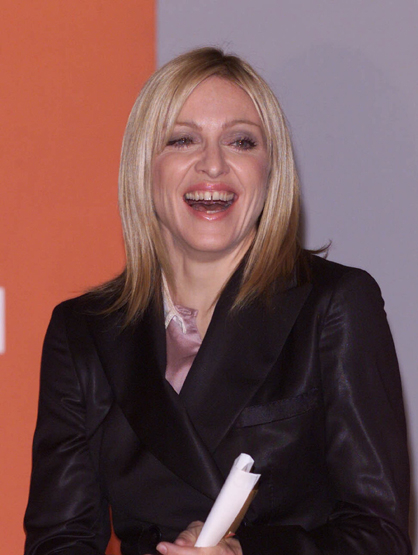 Madonna Through the Years - (Nov 2001) Madonna' presents the Turner Prize at the Tate Gallery.