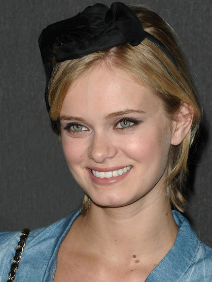 Latinos Clandestinos: TV and Film - Actress Sara Paxton is no stranger to success. After achieving stardom by playing the title role in