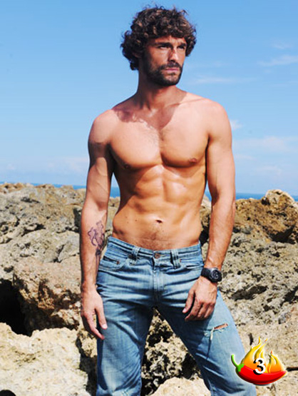 The Sexiest Men on TV - #3: Iván Sánchez, a novela hunk made in Spain
