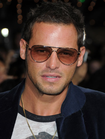 Hottest Celebrity Dads - Justin Chambers -the former CK model and Grey's Anatomy's hottie has 5 kids!