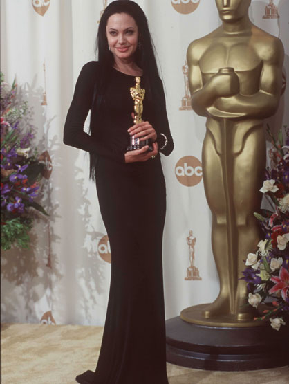 Worst Celebrity Fashion Mistakes - Angelina Jolie at the 2000 Academy Awards