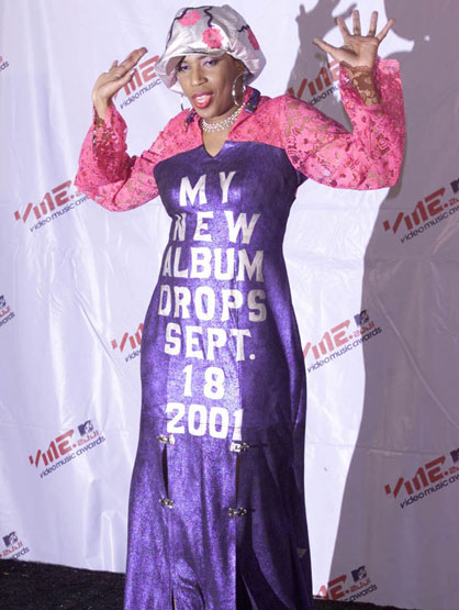 Worst Celebrity Fashion Mistakes - Macy Gray in 2000