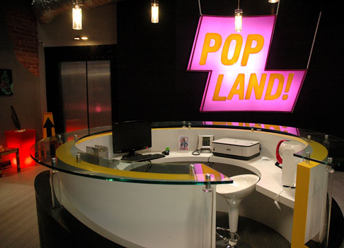 Behind the Scenes of Popland! - Take a look at the set of Popland!