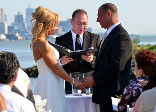 Quiero Mi Boda Season 3: Nancy and Bill - During our vows.