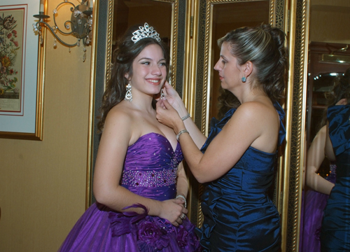 Quiero Mis Quinces | Season 7: Joselin - Getting Ready.