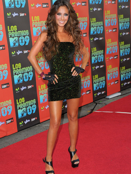 The Many Looks of Anahi - At Los Premios MTV in 2009.