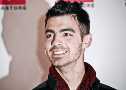 "Songs about Celebrities - Taylor Swift wrote ""Forever and Always"" about Joe Jonas."