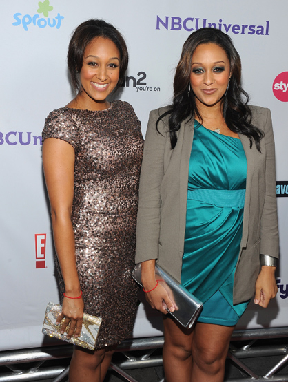 Stars Who Wore Braces - Tia and Tamara Mowry: American Actresses. Known for playing long lost twins on the sitcom Sister, Sister.