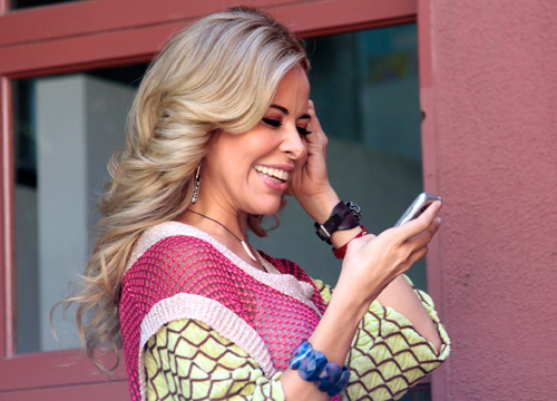 Rock Dinner: Gloria Trevi - Gloria sends the fans a text to