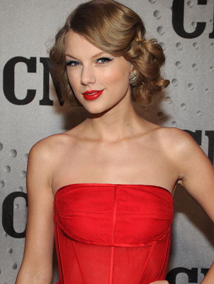 Celebrity Birthdays: December! - December 13: Taylor Swift (1989) is a singer and best known for her surprised expression when receiving awards and her country music.