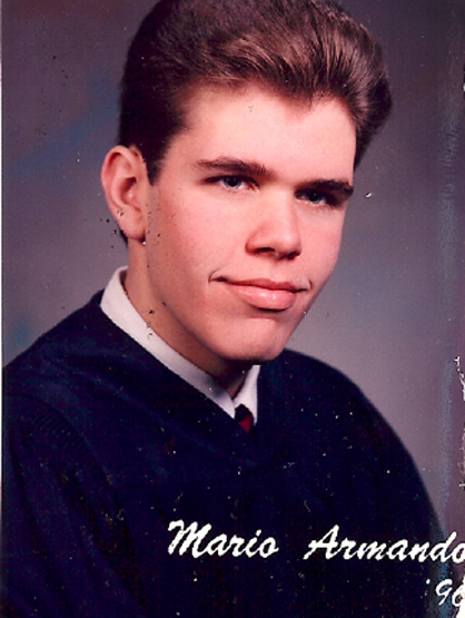 La Escalera: Perez Hilton - Perez's high school graduation photo.