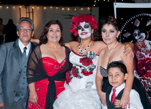 Quiero Mis Quinces | Season 7: Tianna - My mom, brother and abuelo.