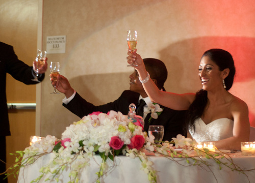 Quiero Mi Boda Season 4: Marilyn and Wilkin - Raise your glass.