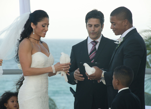 Quiero Mi Boda Season 4: Marilyn and Wilkin - Vows and doves.