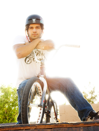 The Sexy Side of Ricardo Laguna - Ricardo and his trusted bike, looking pensive... or satisfied from a great ride.