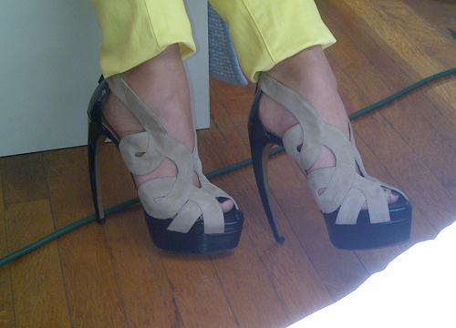 Behind the Scenes of De Nuevo! - No outfit is complete with a fierce set of heels!