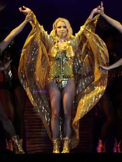 Star Style On Tour - Britney Spears finds her inner Egyptian Princess in this gorgeous gold outfit!