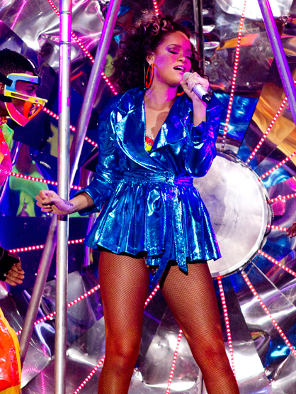 Star Style On Tour - Rihanna is constantly pushing the envelope, and this outfit is no exception.