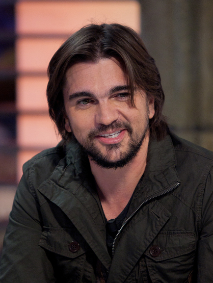 Hottest Latinos - Juanes: Rugged looks AND musical talent? Swoon!