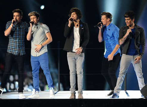 VMA 2012: Best Moments - Liam Payne, Niall Horan, Harry Styles, Louis Tomlinson and Zayn Malik of One Direction perform at the 2012 MTV Video Music Awards at Staples Center on September 6, 2012 in Los Angeles, California.
