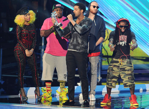 VMA 2012: Best Moments - Singer/rapper Nicki Minaj and rappers Drake and Lil Wayne accept the award for Best Hip Hop Video onstage at the 2012 MTV Video Music Awards at Staples Center on September 6, 2012 in Los Angeles, California.