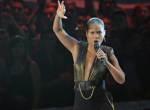 VMA 2012: Best Moments - Singer Alicia Keys performs at the 2012 MTV Video Music Awards at Staples Center on September 6, 2012 in Los Angeles, California.