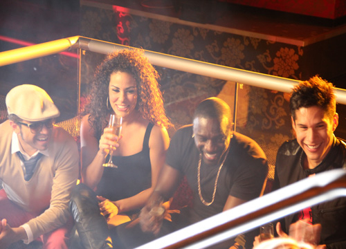 Chino y Nacho feat. Akon & J.Sean 'Bebe Bonita' video shoot - Join us behind the scenes of Chino y Nacho's latest music video