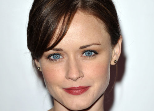 Latinos Clandestinos: TV and Film - Actress Alexis Bledel was born in Houston, Texas to a Mexican mother, Nanette, and an Argentine father, Martin. Bledel is a native Spanish-speaker who didn't learn English until she began school.